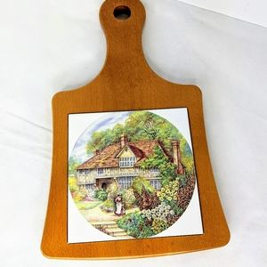 Thick Wooden Hot Plate w/ Ceramic Trivet English